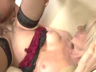 mature fucked whilst daughter rubs clitoris