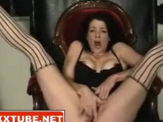 brunette d like to fuck squirts snatch juice