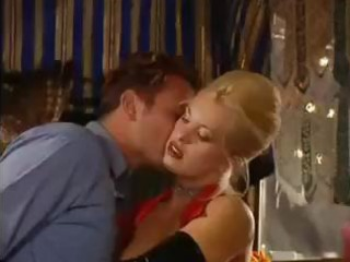 sexy blonde d like to fuck dolly golden is into