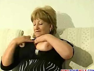 bulky aged cougar acquire horny