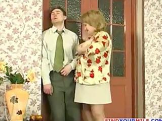 Russian mom and skinny guy fucking