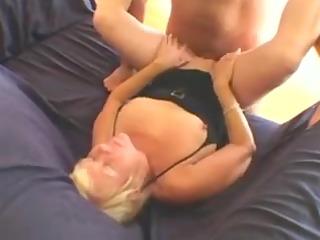 hot granny cougar suck and fuck