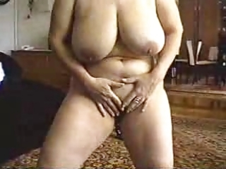 mamma undress show and sex.