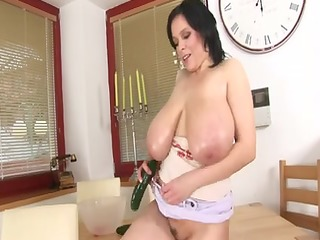italian large pretty woman mother id like to fuck