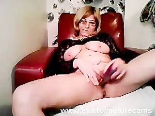 older mom tina toying and cumming on webcam