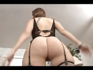 miss lady.sex with a large arse beauty