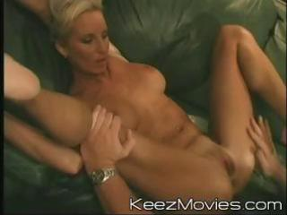 sexy golden-haired milf widens her legs wide to
