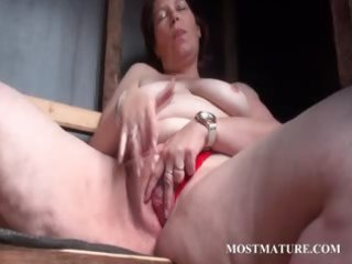 outdoor cunt masturbation with mature