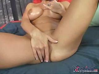 blonde british mamma is in london and engulfing