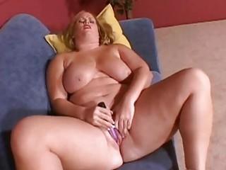 large breasted blond d like to fuck masturbates