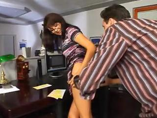 mature bonnie in glasses gets anal penetration