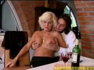 Hot old mom takes it up the ass