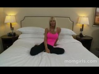 breasty blond d like to fuck in pink top sucking
