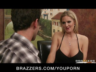 big-boobed blond d like to fuck zoe holiday bonks
