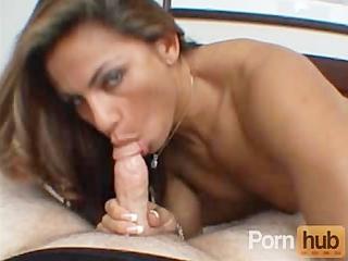 sexy latina d like to fuck goes hardcore
