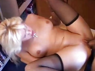 hawt blond d like to fuck in nylons