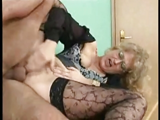 sexy german milf receives anally fucked