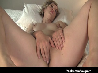 cheating wife carmen makes non-professional sex