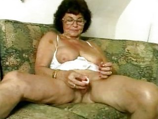 filthy granny dildoing her old love tunnel