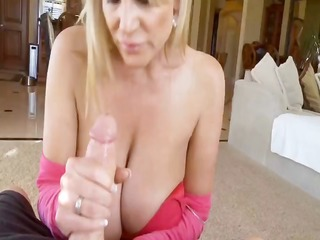 kelly madison plays with huge natural titties