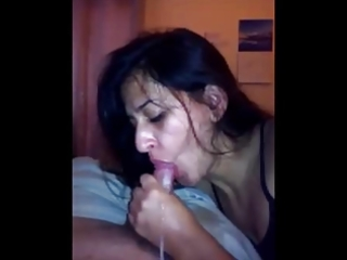 dilettante brunette wife sloppy blowjob