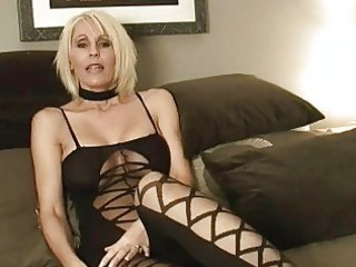 short haired momma in sexy outfit plays with sex