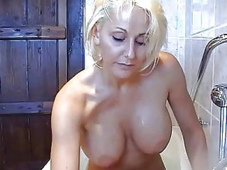 bootylicious breasty golden-haired momma plays
