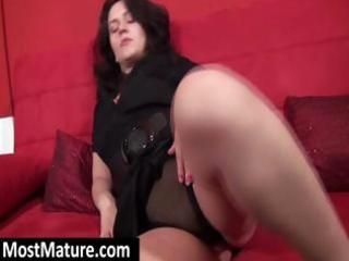 hot dark brown milf acquires s garb on the couch