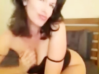 Perfect body milf with big boobs cam show