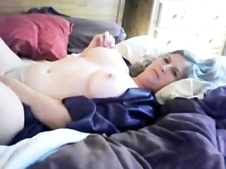 dilettante cyber-practice big breasted milf