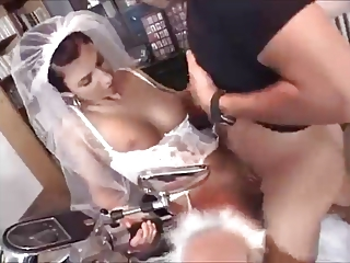 Young wife sucks and fucks with photographer