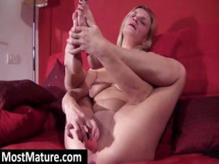 golden-haired d like to fuck spreads these legs