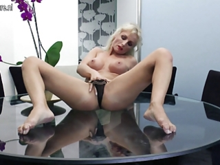 sexy d like to fuck masturbating on her glass