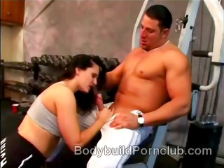 Naughty brunette bodybuilder whore Elle Cee