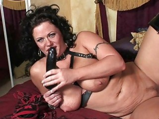 perverted brunette hair milf in lascivious latex