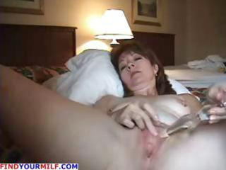 older dilettante wife uses her glass dildo in her