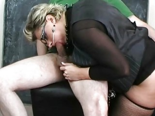 milf wench in hot underware sucking large johnson