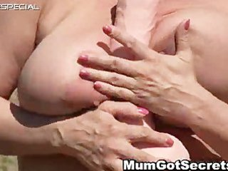 horny d like to fuck gets her curly muf drilled