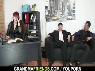 office lady pleases schlongs