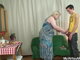 wife comes in when her mamma rides my cock