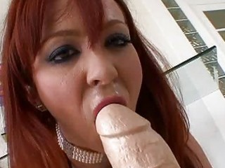 slutty redhead d like to fuck playing with huge