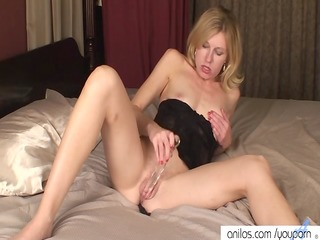 small d like to fuck dildos hairy snatch