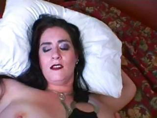 breasty mature latina pulls her red skirt off and
