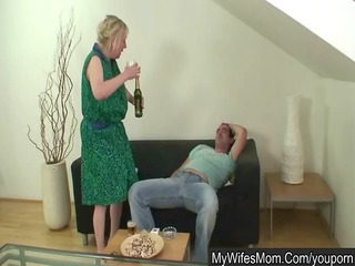 Wife shops - her mom humps