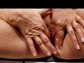 blond granny in nylons fingers