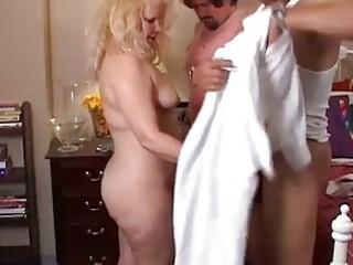 older amateur threesome fucking