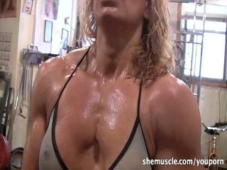 hawt older blonde workout