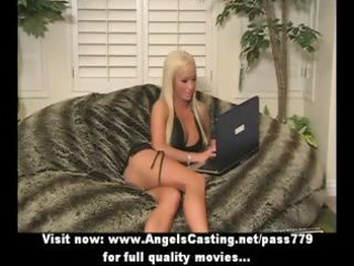 golden-haired d like to fuck with laptop flashing