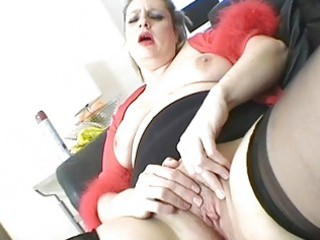 lewd blonde mother i honey masturbates in sexy