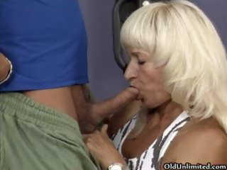 sexy aged bitch goes crazy getting her part1